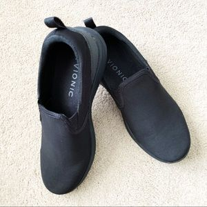 Vionic Agile Kea Black Slip On Shoes 8.5 Comfort